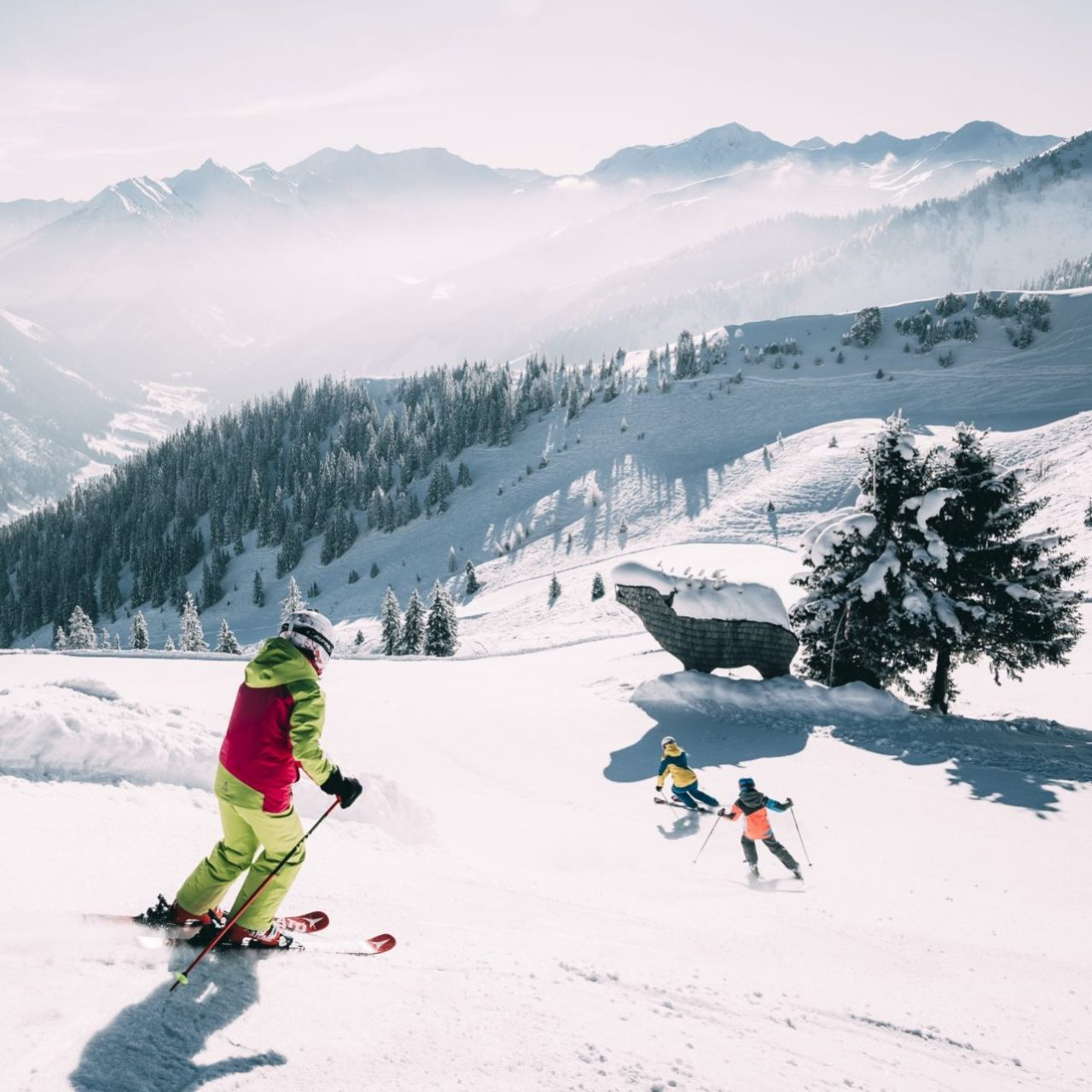 SUNNY SKIING DAYS SPECIAL IN MARCH